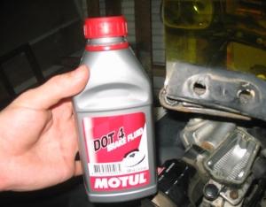 дот 4 - надежная тормозная жидкость для машины