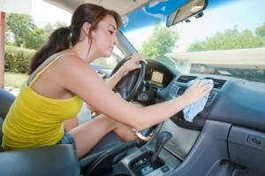 как ухаживать за кожаным салоном авто