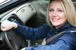 Девушки и начинающие водители за рулем