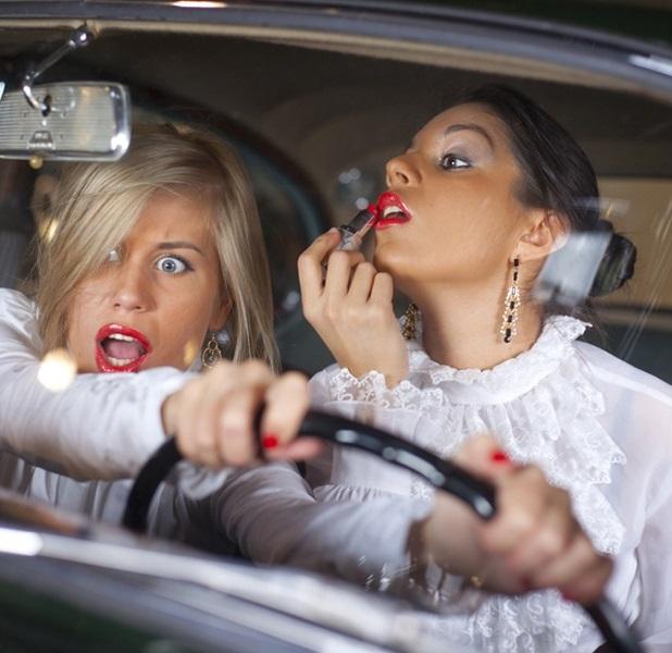 видео девушки за рулем