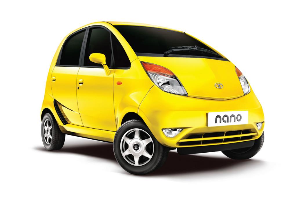 tata nano - одна из самых дешевых и маленьких машин в мире