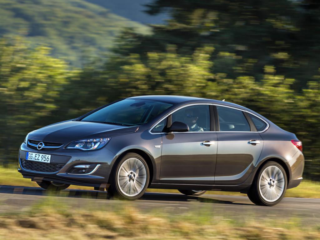 Opel Astra J - недорогие немецкие марки