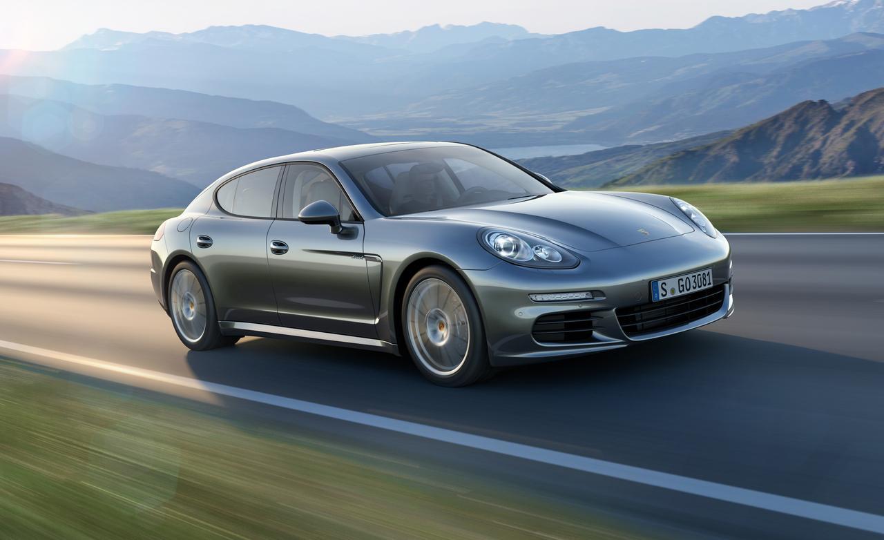Porsche Panamera - эмблемы популярных авто